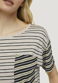 TOM TAILOR - Print T-shirt - beige black offwhite stripe - 3