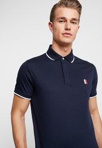 Tommy Hilfiger - SOPHISTICATED SLIM  - Polo shirt - blue - 4