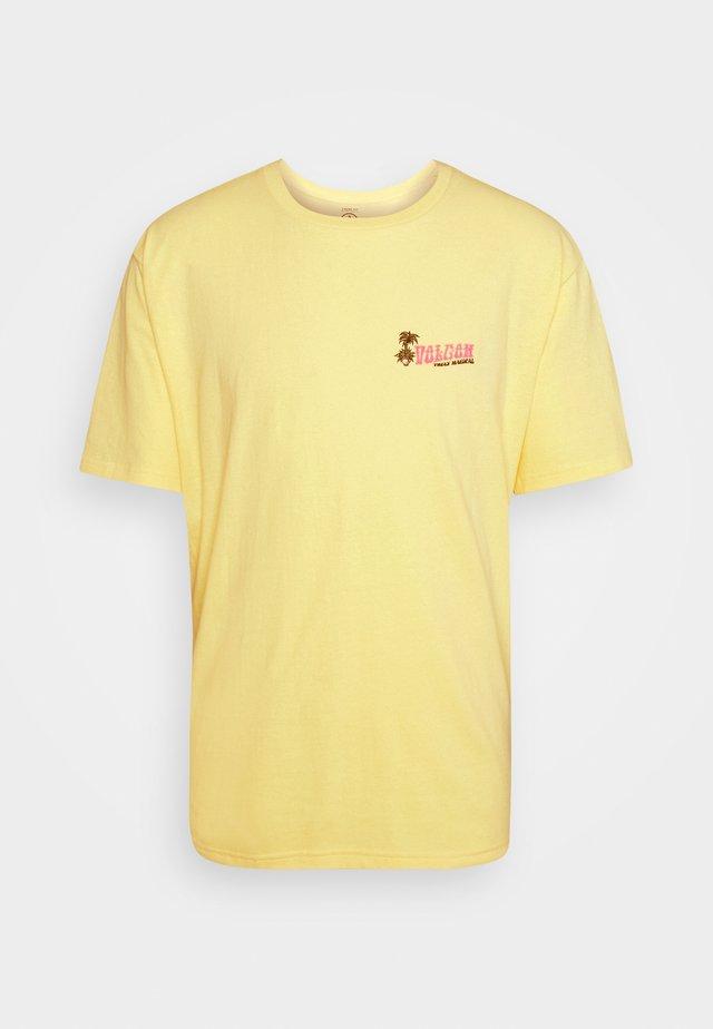 BELIVEINPARADISE LSE SS - T-shirt print - dawn yellow