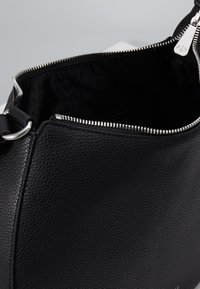 Armani Exchange - BORSA - Handbag - nero - 4