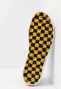 Vans - BESS  - Skateskor - true white/heliotrope - 4