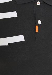 Nike Golf - THE GOLF HACKED SLIM - Triko spotiskem - black - 2