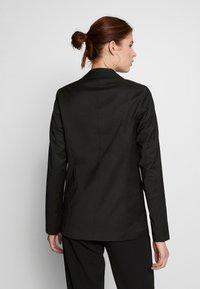 ONLY Tall - ONLCAROLINA WIN CHECK - Blazer - black - 2