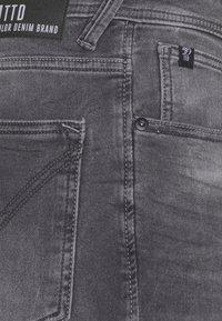 TOM TAILOR DENIM - Denim shorts - mid stone grey denim - 2