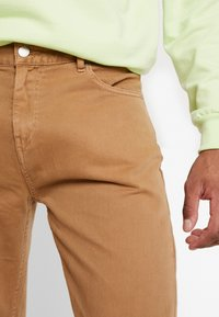 Weekday - BOBBIN - Trousers - camel - 3