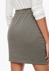 Q/S designed by - MET RIEM - Pencil skirt - dusty brown check - 4