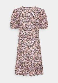 Gina Tricot - MAYA DRESS - Sukienka z dżerseju - pink ditsy - 5