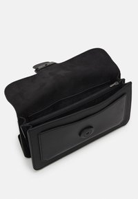 Coach - TABBY BELT BAG UNISEX - Sac banane - black - 3