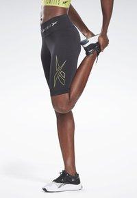 Reebok - LES MILLS® BIKE SHORTS - Sports shorts - black - 0
