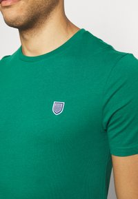 Pier One - T-shirt basic - dark green - 5
