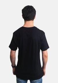 Platea - Basic T-shirt - schwarz - 1