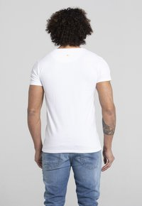 Liger - LIMITED TO 360 PIECES - Basic T-shirt - white - 3