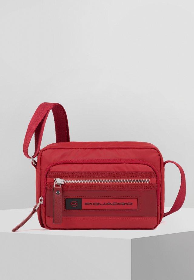 PQ-BIOS - Umhängetasche - red