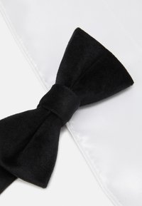 Only & Sons - ONSTBOX THEO BOW TIE HANKERCHIEF SET - Mouchoir de poche - black/white - 6