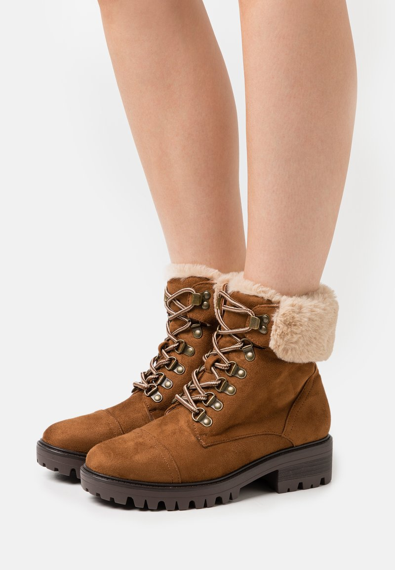 Dorothy Perkins - MILLS CUFF HIKER BOOT - Lace-up ankle boots - tan