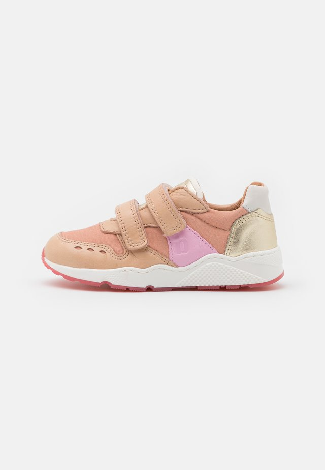 KARLA - Sneaker low - ecru