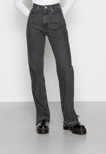 ROWE SPLIT - Jeans a sigaretta - black