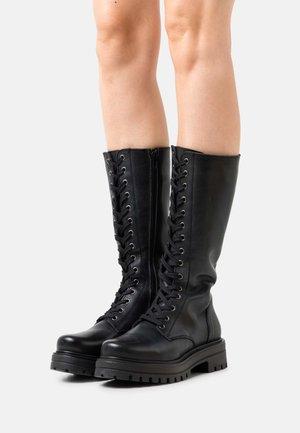 VMAYA BOOT - Snörstövlar - black