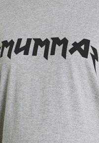 Missguided Maternity - MATERNITY MUMMA - Print T-shirt - grey marl - 2