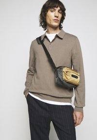 Filippa K - Jumper - dark taupe - 4