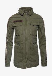 Superdry - MIT STERN-PRINT - Denim jacket - green - 5