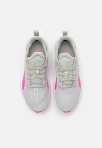 Puma - FLYER RUNNER UNISEX - Sports shoes - gray violet/luminous pink - 3