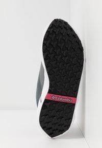 Columbia - FACET15 - Outdoorschoenen - grey steel/rouge pink - 4