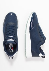 Tommy Jeans - FLEXI RUNNER - Trainers - twilight navy - 3