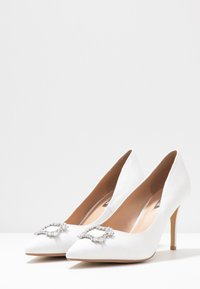 Dorothy Perkins Wide Fit - WIDE FIT SQUARE JEWEL COURT SHOE - High heels - white - 4