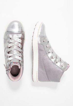 SANNA MID GTX - Walking boots - pearlgrey/violet