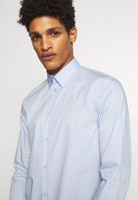 Filippa K - PAUL - Formal shirt - light blue - 3