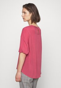 Carin Wester - BOWIE - Blouse - hollyberry - 2