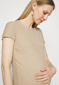 ONLY - OLMEMMA - Basic T-shirt - humus/melange - 3