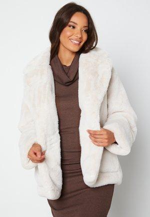 Winter jacket - tan
