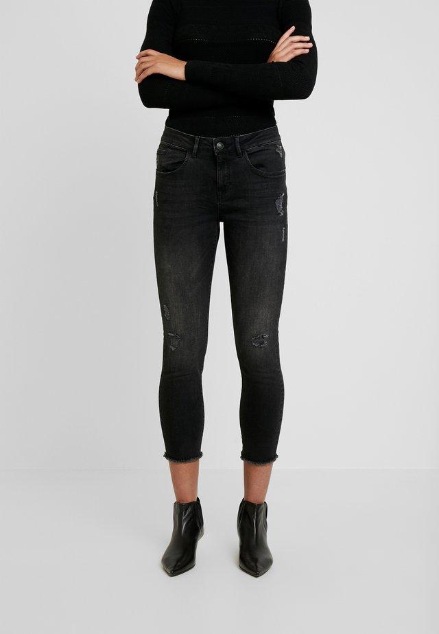 BRADFORD - Skinny džíny - black