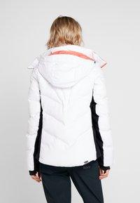 Roxy - SNOWSTORM - Giacca da snowboard - bright white - 3