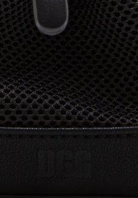 UGG - Across body bag - black - 4