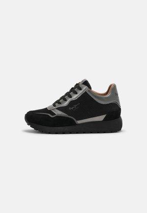 DEAN TOP - Sneakersy niskie - black