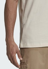 adidas Originals - ADICOLOR 3-STRIPES NO-DYE T-SHIRT - T-shirt basique - white - 4