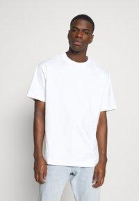 Weekday - OVERSIZED  - T-shirt - bas - white - 0