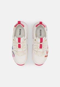 MICHAEL Michael Kors - COSMO MEETU - Sneakers basse - white smooth - 3