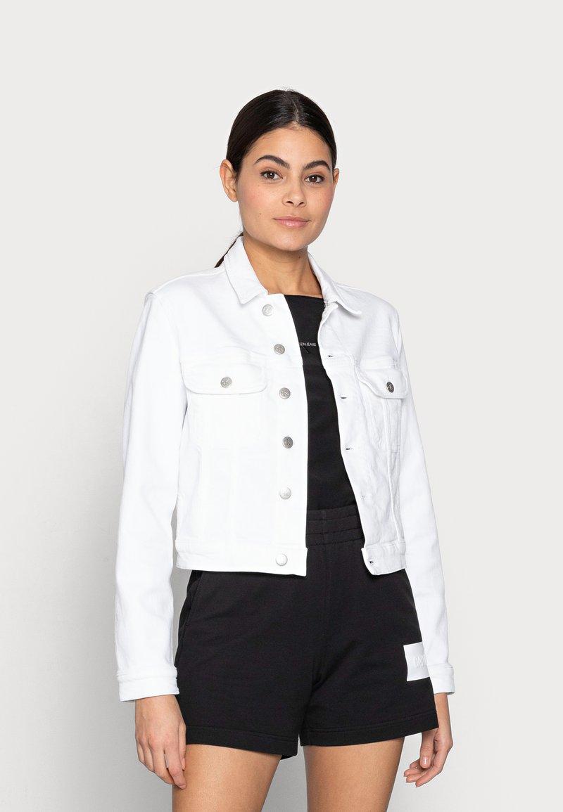 Calvin Klein Jeans - CROPPED  DENIM JACKET - Denim jacket - white