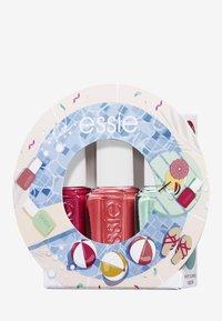 Essie - MINI TRIO SET WATERMELON - Nagelverzorgingsset - 27 watermelon/73 cute as a button/99mint candy apple - 0