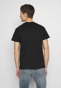 Fiorucci - NEW ANGELS TEE - Print T-shirt - black - 2