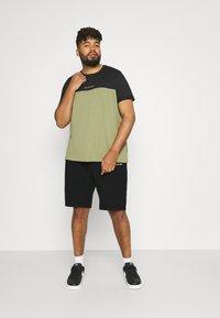 Calvin Klein - Shorts - black - 1