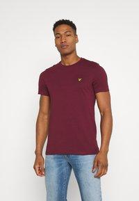 Lyle & Scott - PLAIN - T-shirt basic - merlot - 0