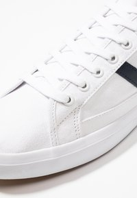 Lacoste - SIDELINE - Trainers - white/dark red/navy - 5