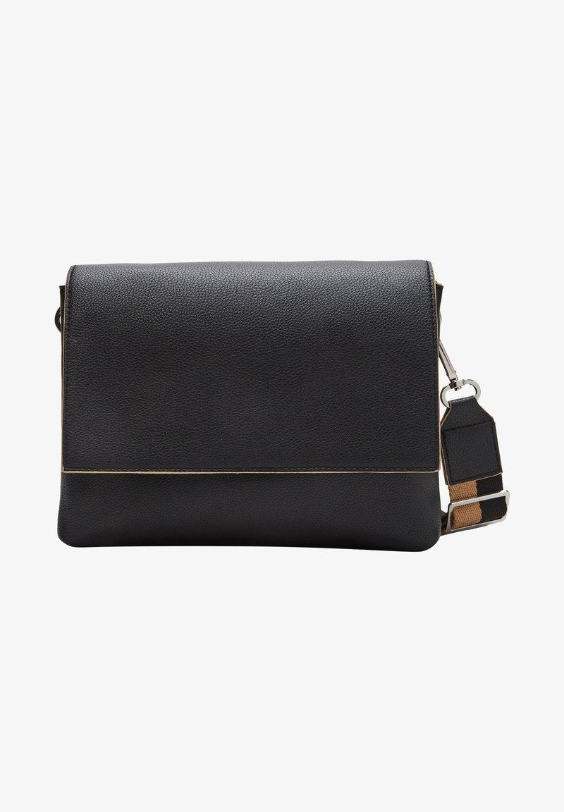 s.Oliver - SAC - Across body bag - black