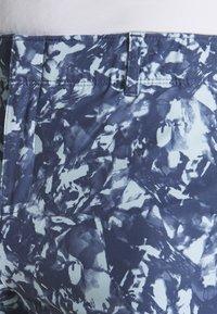Under Armour - LINKS PRINTED SHORT - Pantaloncini sportivi - blue frost/mod gray/blue ink - 4