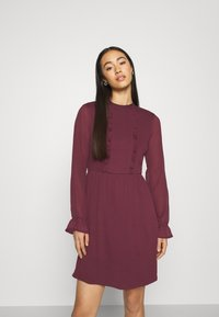 Vero Moda - VMMOLLIE FRILL SHORT DRESS - Day dress - fig - 0